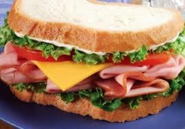 4.Sandwich de jamon y queso